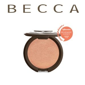 🚨NEW ITEM🚨Becca Shimmering Skin Perfector